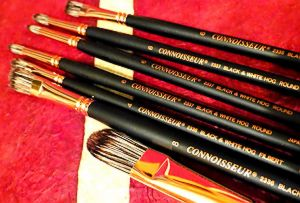 brushes connoisseur black and white hog hair.JPG